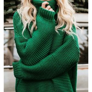 Cute Green Knit Sweater ✨ Size Small